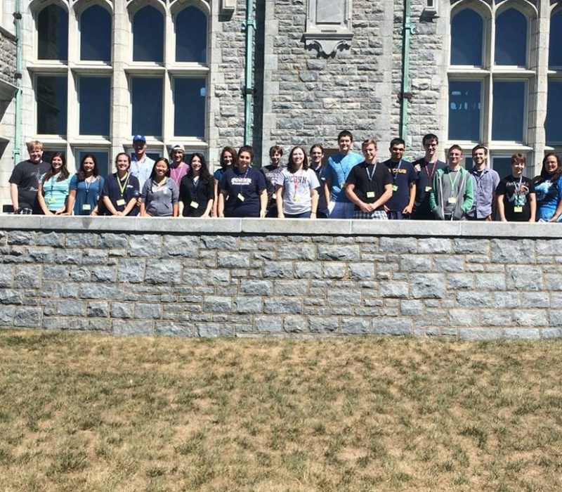 FA15 tutors in a group photo at the Branford House